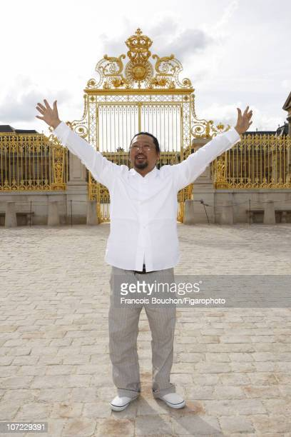 Japanese artist Takashi Murakami poses for a portrait session for Le Figaro on June 6 2010 at the Chateau de Versailles Figaro ID 097797008 CREDIT...