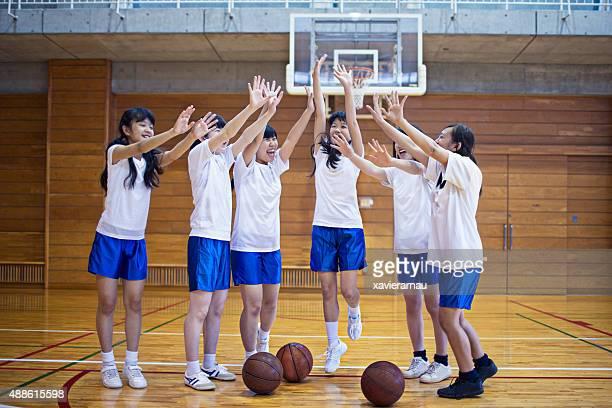 日本のバスケット女子チームでプレーした後
