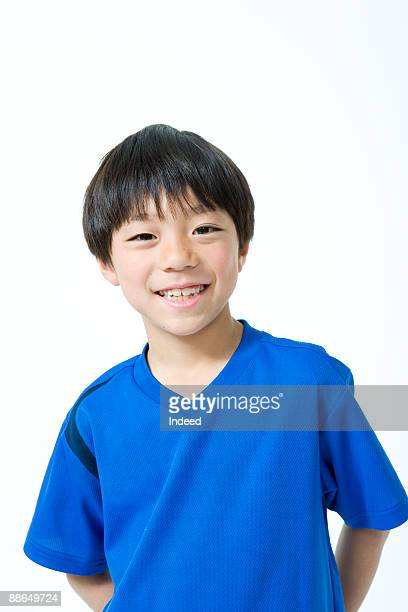 japanese boy (6-7 years) smiling, portrait - 6 7 years stock pictures, royalty-free photos & images
