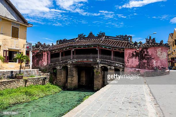japanese bridge in hoi an, vietnam - hoi an stock pictures, royalty-free photos & images