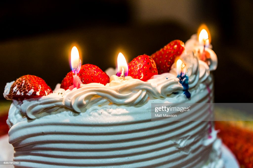 A Japanese Cream Strawberry Birthday Cake Stock Photo Getty Images
