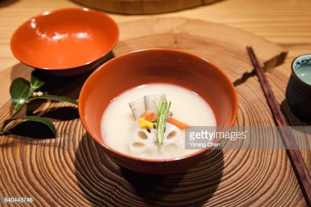 japanese cuisine: soup with sake lees base - washoku fotografías e imágenes de stock