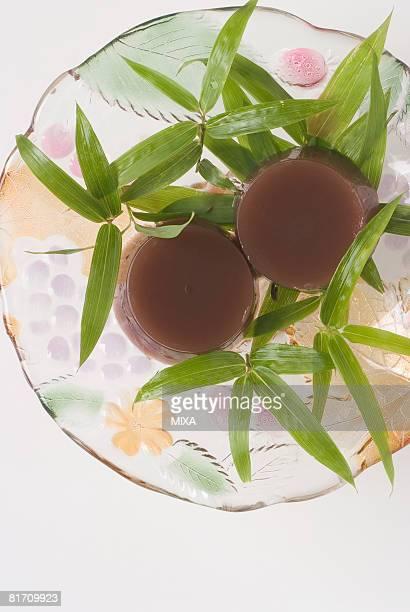 japanese dessert - folha de bambu - fotografias e filmes do acervo