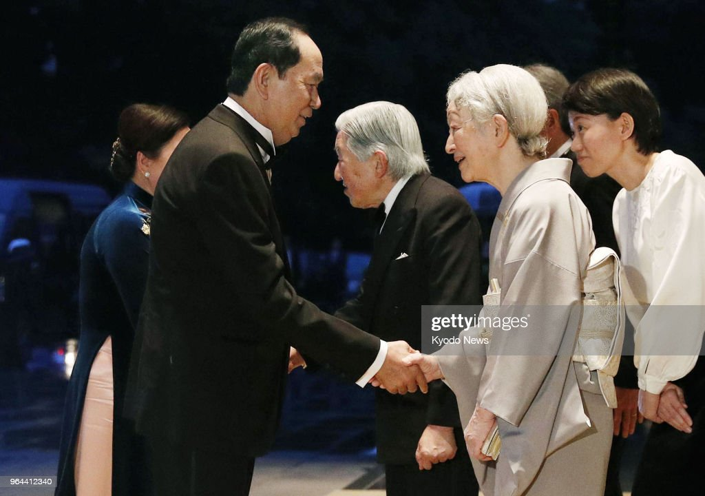 Japanese emperor welcomes vietnam president pictures getty images japanese emperor akihito c and empress michiko 2nd from r greet vietnamese m4hsunfo