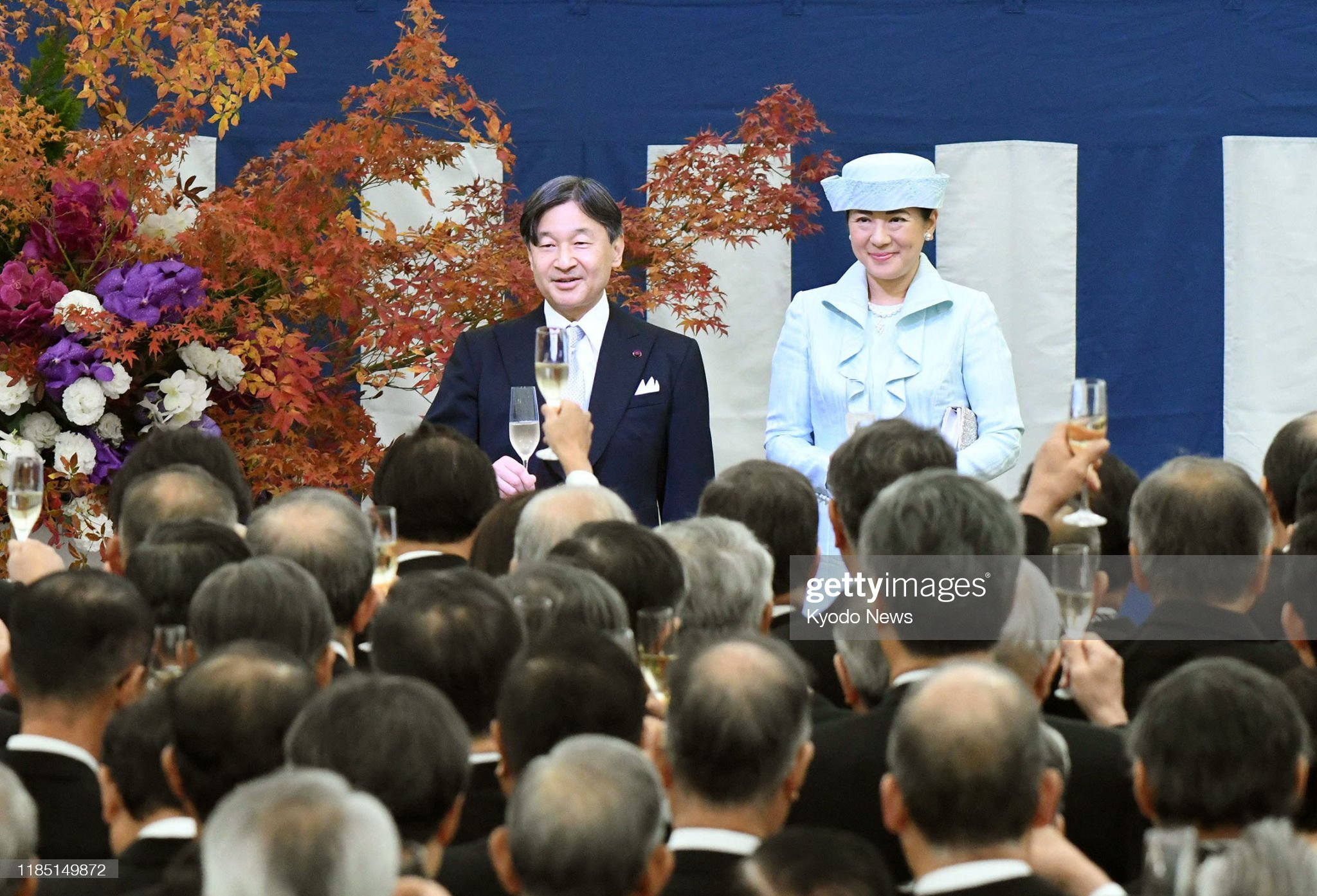japanese-emperor-naruhito-and-empress-masako-attend-a-tea-party-by-picture-id1185149872