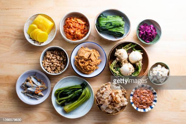 comida fermentada japonesa - prato de soja - fotografias e filmes do acervo