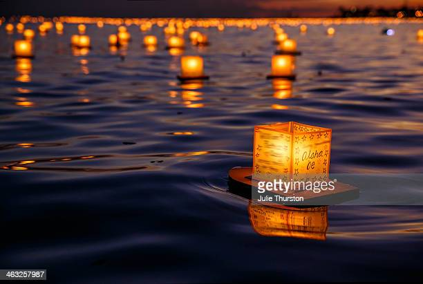 japanese floating lanterns aloha 'oe, hawaii - waikiki stock pictures, royalty-free photos & images