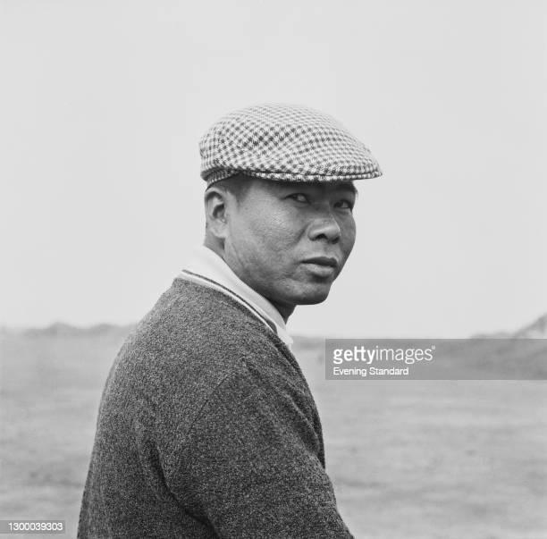 Japanese golfer Shigeru Uchida, UK, October 1966.