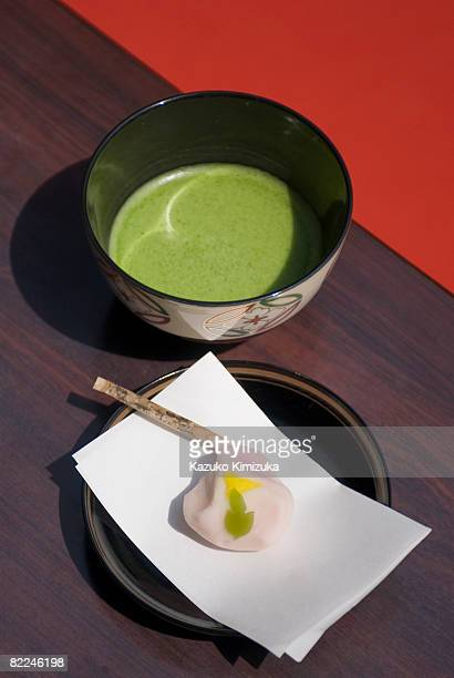 japanese green tea macha and sweets - kazuko kimizuka ストックフォトと画像