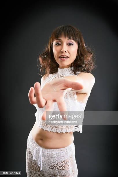 Japanese ladies to sing