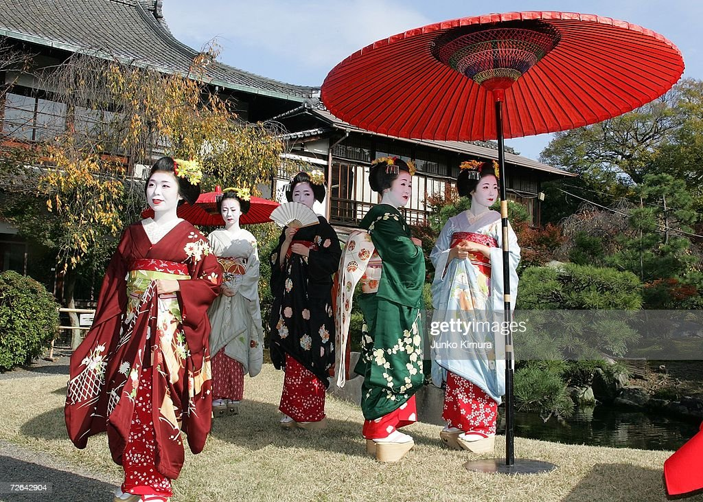 Traditional Tea Ceremony Performed In Kyoto : ニュース写真