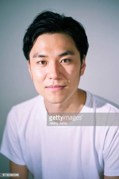 japanese man portrait in the studio - 人の顔 ストックフォトと画像