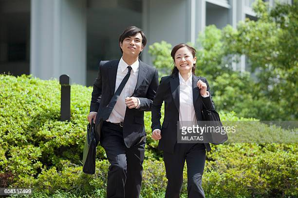 japanese men and women of the young company employee - ルーキー ストックフォトと画像