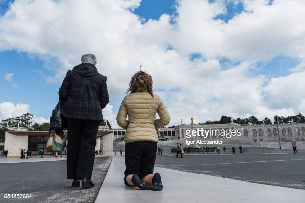 japanese pilgrims, the sanctuary of fátima, portugal - fatima stock pictures, royalty-free photos & images