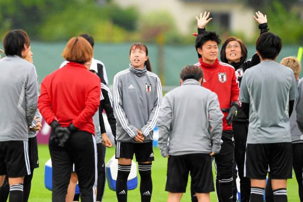 FRA: Japan Training & Press Conference