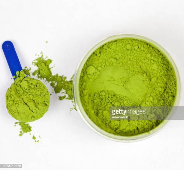 japanese powdered green tea, matcha ceremonial grade - chlorophyll stock pictures, royalty-free photos & images