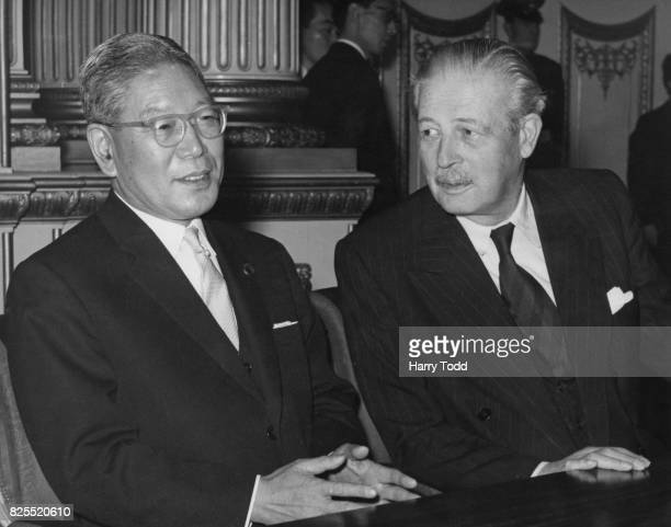 Japanese Prime Minister Hayato Ikeda with British Prime Minister Harold Macmillan at Lancaster House in London for the signing of the AngloJapanese...