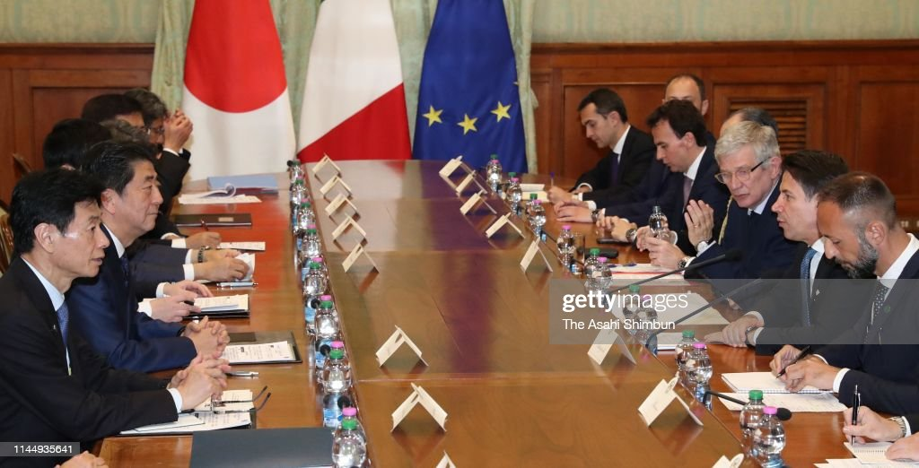 ITA: Japanese PM Abe Visits Europe And North America - Day 3