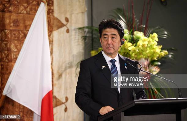 Japanese Prime Minister Shinzo Abe and New Zealand Prime Minster John Key hold a press conference after he was welcomed at Government House with a...