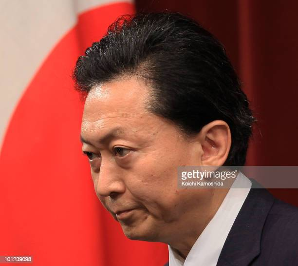 Japanese Prime Minister Yukio Hatoyama speaks during a press conference at his official residence on May 28 2010 in Tokyo Japan Japan and US agreed...