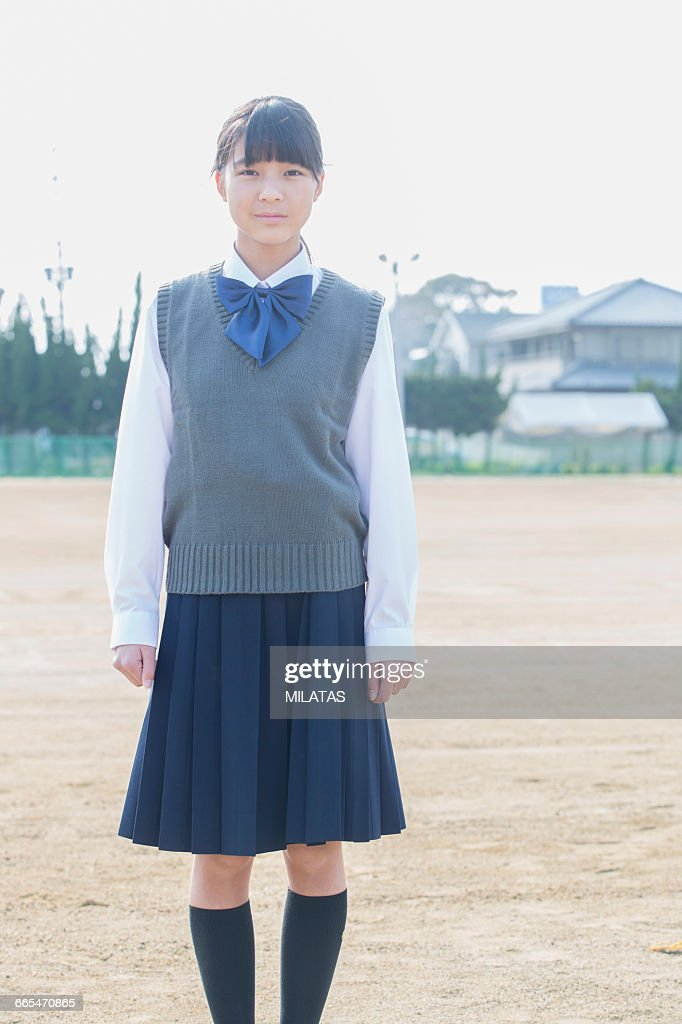 Japanese schoolgirls to stand still : Stock Photo