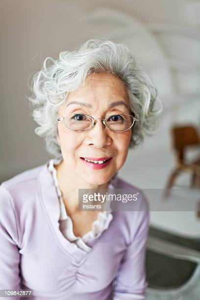 日本の老人女性