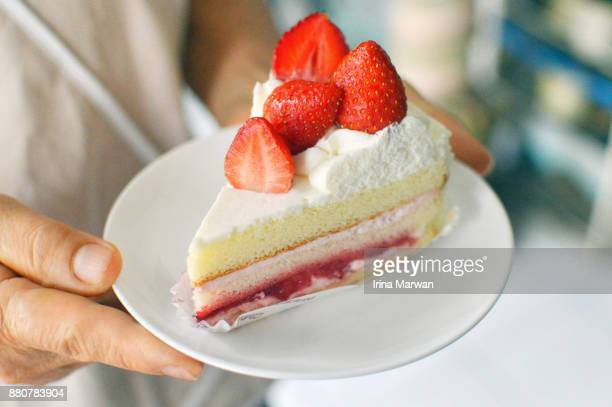 japanese strawberry shortcake - sponge cake stock pictures, royalty-free photos & images