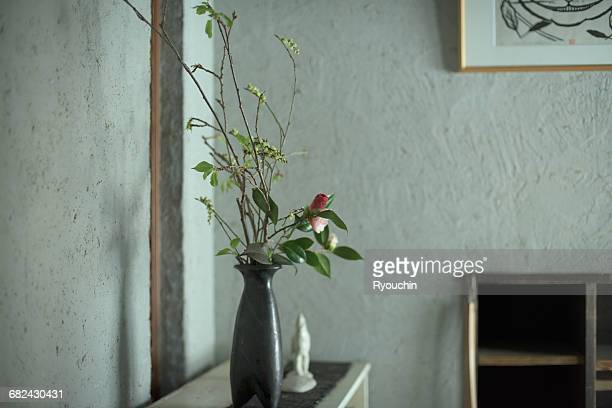 japanese style, - ikebana stock pictures, royalty-free photos & images
