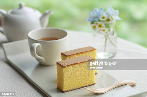 Japanese style sponge cakes with tea set