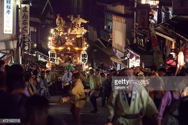 日本の伝統的な祭のある大きな変動