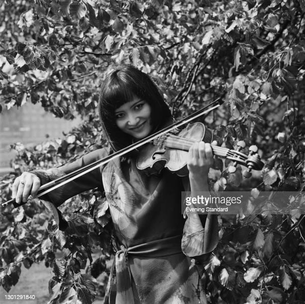 Japanese violinist Teiko Maehashi, UK, 16th May 1973.
