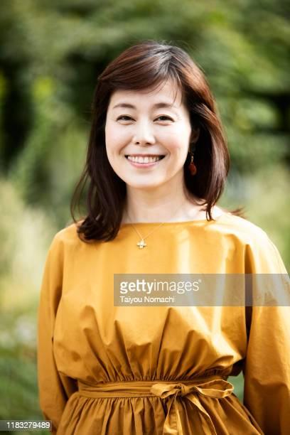 japanese woman portrait - 40代 ストックフォトと画像
