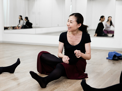 A Japanese woman showing a relaxed look before dancing practice - gettyimageskorea