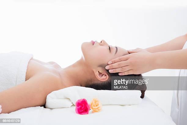 Japanese women get the esthetic treatment