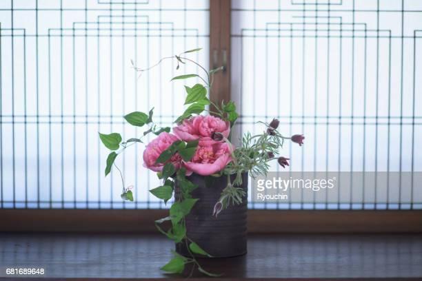 Japanese-style room and Ikebana