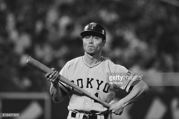 Japan's home run king Sadaharu Oh of the Yomiuri Giants grabs his bat to go in to the batter box during GiantsYakult Swallows game here 8/27 Oh first...