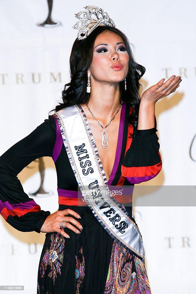 miss universe 2007 miss japan riyo mori is crowned miss