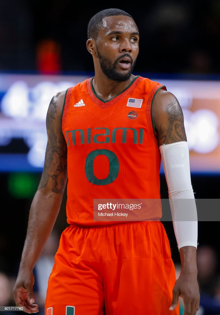 Miami v Notre Dame : News Photo