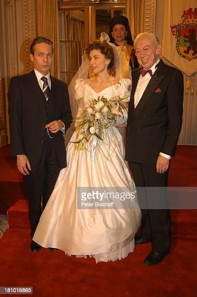 Jaques Breuer Eleonora Brigliadori Horst Tappert ZDFFilm Herz ohne Krone Bukarest/ Rumänien Krone Hochzeitskleid Hochzeit Braut Brautkleid PNr 117802