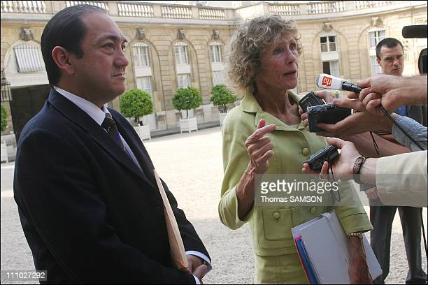 Jaques Chirac receives Themereau MarieNoelle President of the Government of New Caledonia and Victor Brial Depute of Wallis and Futuna at the Elysee...