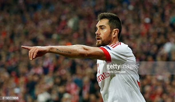 Jardel of Benfica gestures during the UEFA Champions League quarter final first leg match between FC Bayern Muenchen and SL Benfica at Allianz Arena...