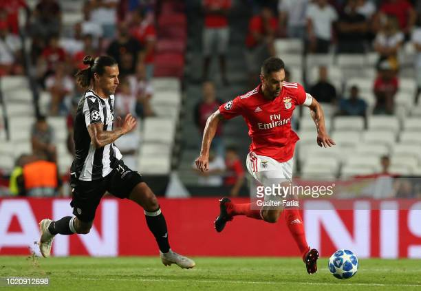 Jardel of SL Benfica fights for the ball with Aleksandar Prijovic of PAOK during the UEFA Champions League Play Off match between SL Benfica and PAOK...