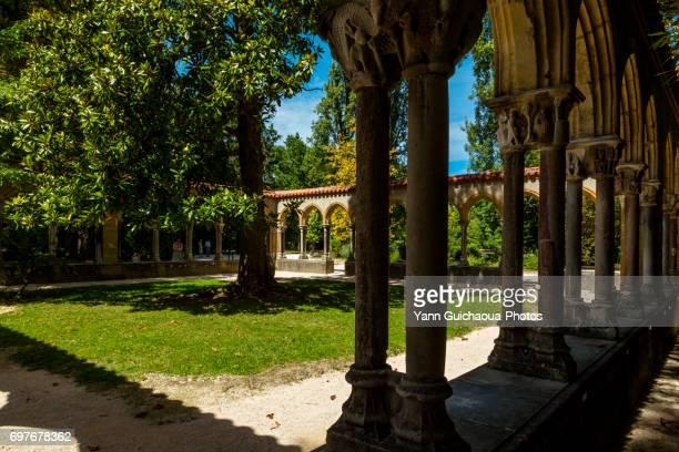 jardin massey, tarbes, hautes pyrenees,france - タルブ ストックフォトと画像
