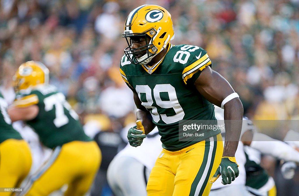 Oakland Raiders v Green Bay Packers : News Photo