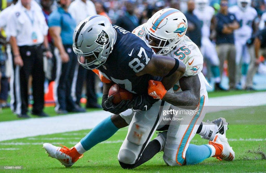 Oakland Raiders v Miami Dolphins : Fotografia de notícias