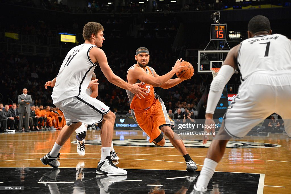 Jared Dudley #3 of the Phoenix Suns drives to the basket against the Brooklyn Nets at the Barclays Center on January 11, 2013 in Brooklyn, New York.
