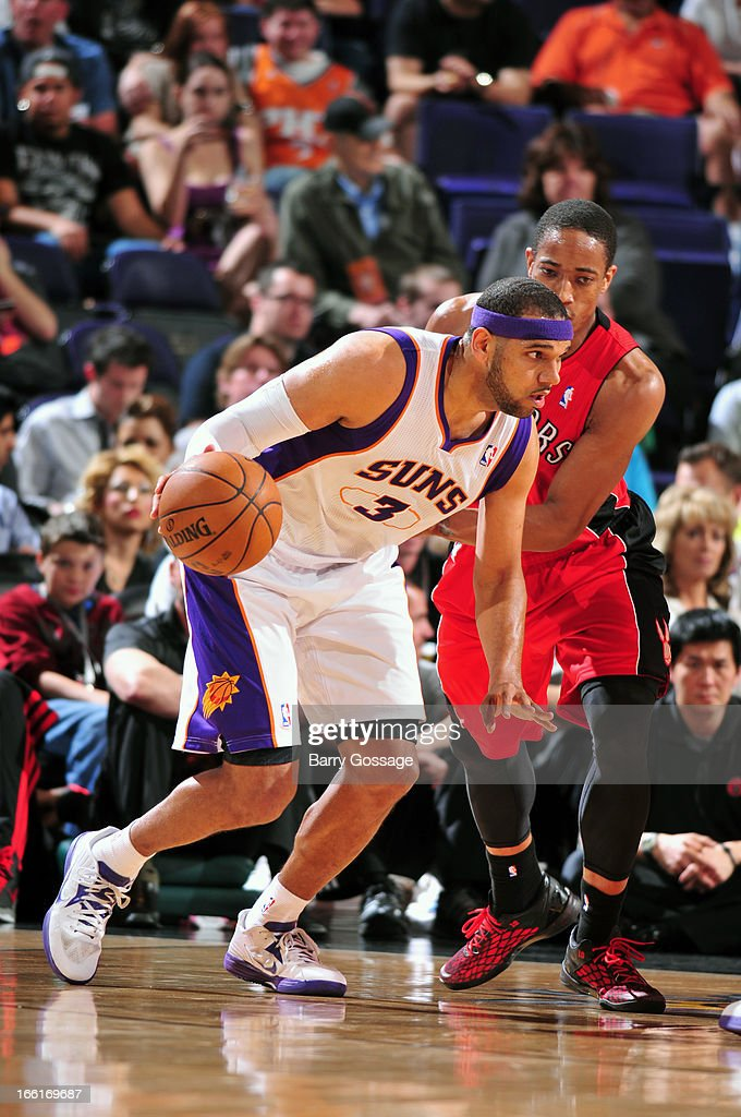 Jared Dudley #3 of the Phoenix Suns drives to the basket against the Toronto Raptors on March 6, 2013 at U.S. Airways Center in Phoenix, Arizona.