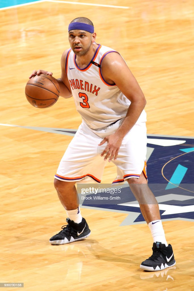 Jared Dudley #3 of the Phoenix Suns handles the ball against the Charlotte Hornets on March 10, 2018 at Spectrum Center in Charlotte, North Carolina.