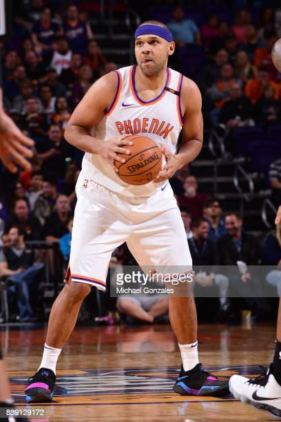 Jared Dudley of the Phoenix Suns looks to pass the ball against the San Antonio Spurs on December 9 2017 at Talking Stick Resort Arena in Phoenix...