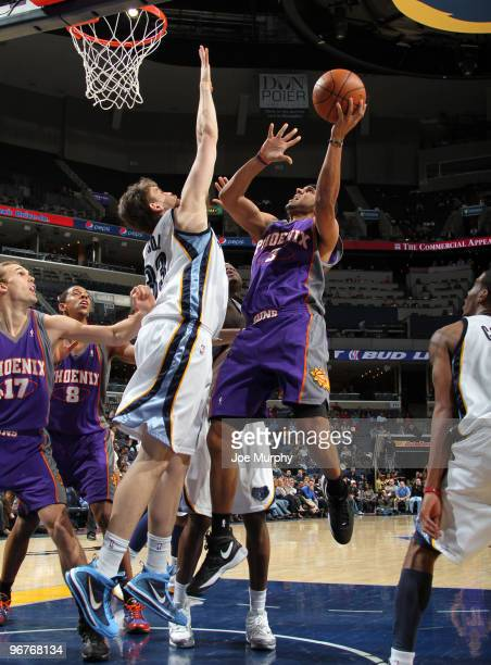 Jared Dudley of the Phoenix Suns shoots over Marc Gasol of the Memphis Grizzlies on February 16 2010 at FedExForum in Memphis Tennessee NOTE TO USER...